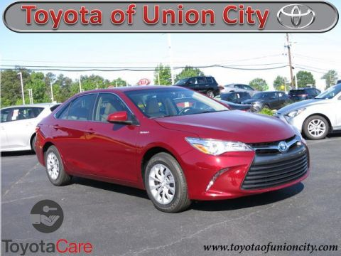 New 2017 Toyota Camry Hybrid LE FWD 4dr Car