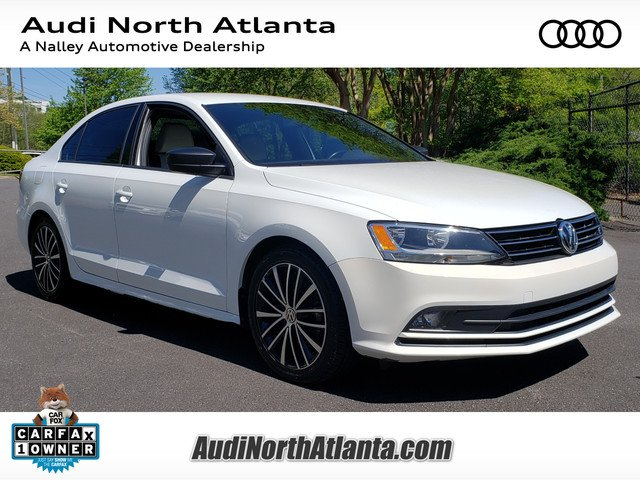 Pre Owned 2016 Volkswagen Jetta Sedan 1 8t Sport