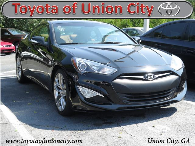 Pre-Owned 2016 Hyundai Genesis Coupe 3.8 Ultimate RWD Coupe